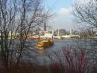 Hamburger Hafen: Blick auf den Hafen vor dem Theater
