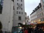 Turm des Alten Rathauses in München: Der Turm des Alten Rathauses beherbergt das Spielzeugmuseum, Sammlung Ivan Steiger. Zu sehen sind alte Modelleisenbahnen, Plüschtiere, Puppen, Puppenstuben und Blechspielzeug.